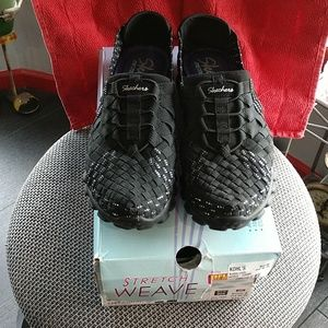 Skechers stretch weave memory foam